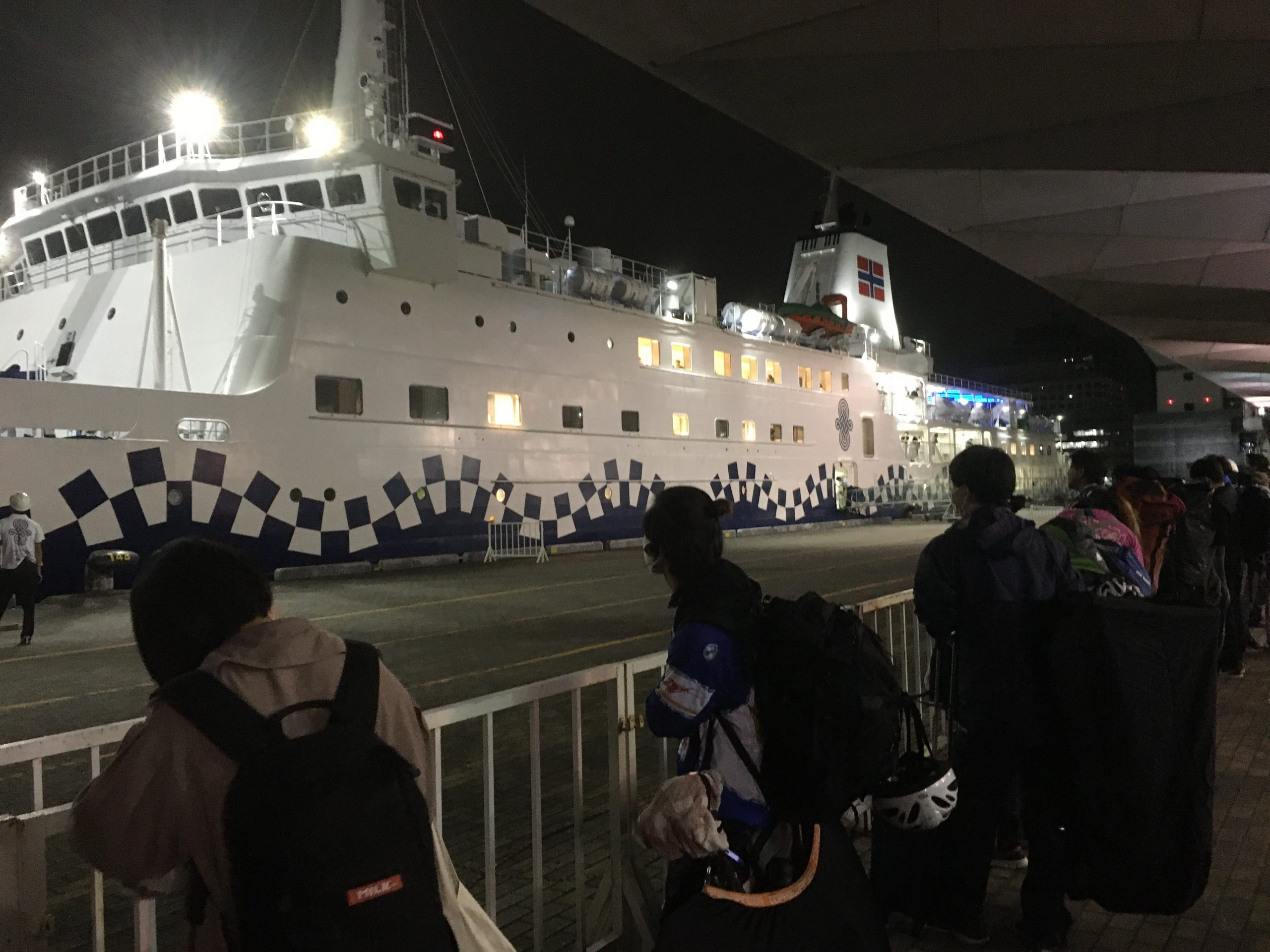神津島へgoto カゴ釣りで果たしてシマアジ出るか?